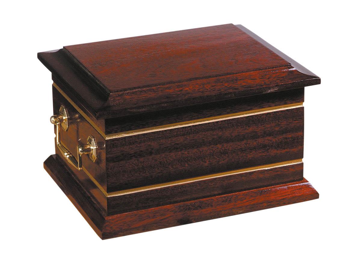 Lesbury ashes casket £70